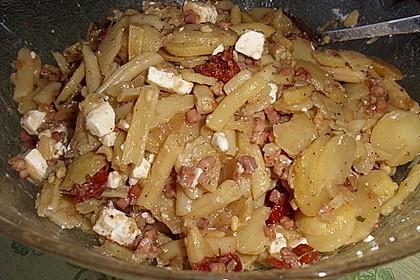 Warmer Kartoffelsalat mit Bohnen und Schafskäse
