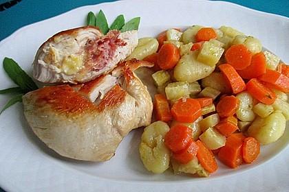 Gefüllte Putenbrust-Filets mit Gnocchi-Gemüsepfanne