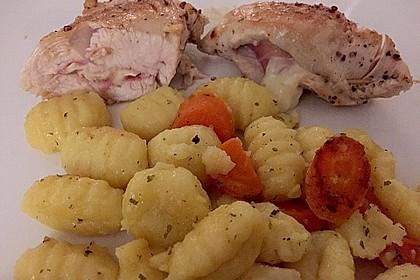 Gefüllte Putenbrust-Filets mit Gnocchi-Gemüsepfanne 1