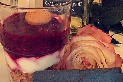 Heidelbeer Amarettini Dessert 20