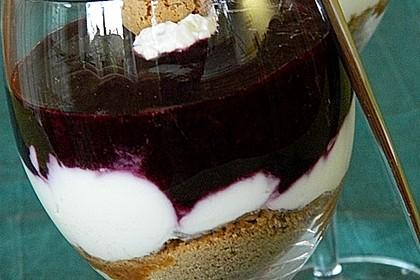 Heidelbeer Amarettini Dessert 6