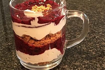 Heidelbeer Amarettini Dessert 23