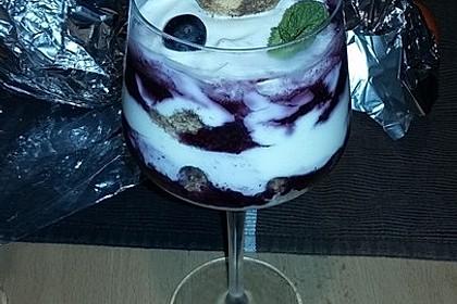 Heidelbeer Amarettini Dessert 10