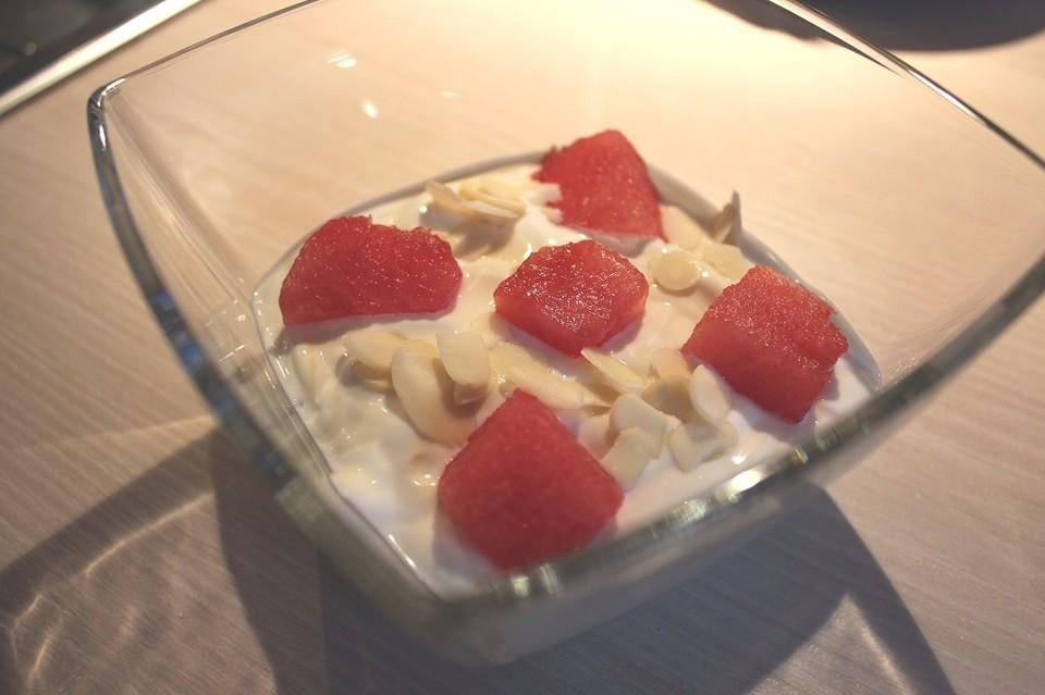 wassermelone griechischer joghurt honig dessert rezept mit bild. Black Bedroom Furniture Sets. Home Design Ideas