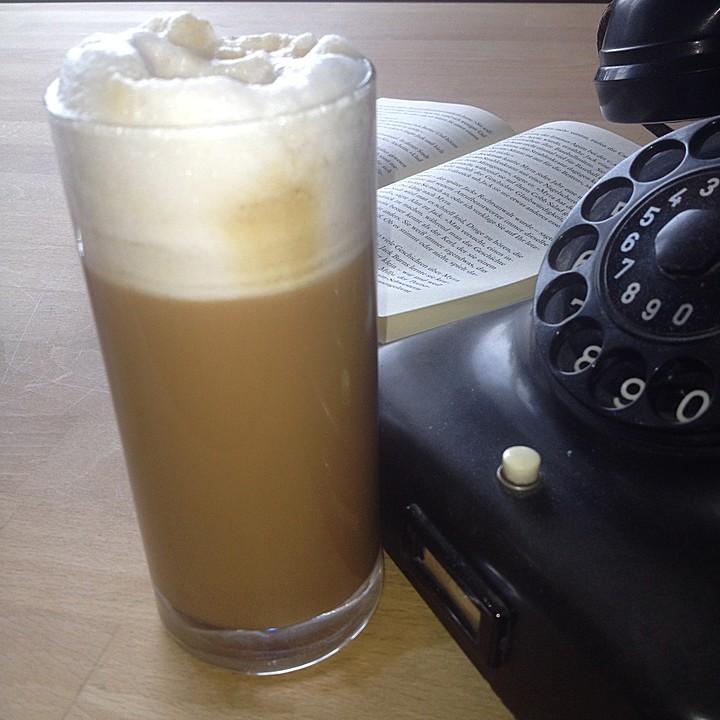 veganer paleo kaffee mit mandelmilch und dattelsirup. Black Bedroom Furniture Sets. Home Design Ideas