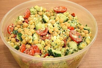 Avocado-Gurke-Kichererbsensalat mit Feta und Zitronendressing 3