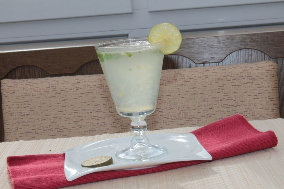 ingwer limetten limonade rezept mit bild von ini pini. Black Bedroom Furniture Sets. Home Design Ideas