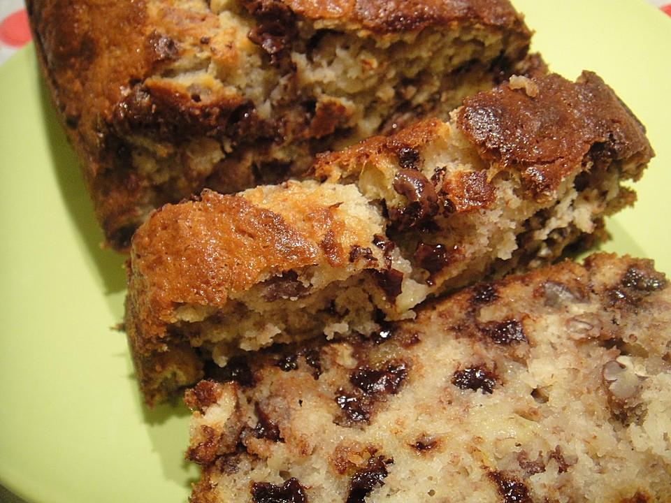 Nuss-Bananen-Kuchen mit Schokostückchen (Rezept mit Bild ...