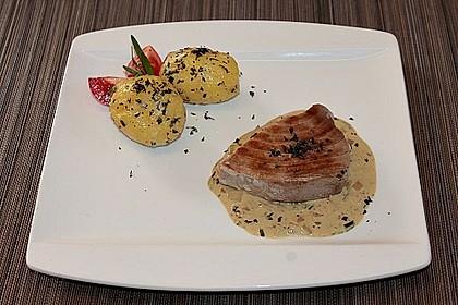 Gebratene Thunfisch-Steaks auf Estragon-Senf-Sauce 2