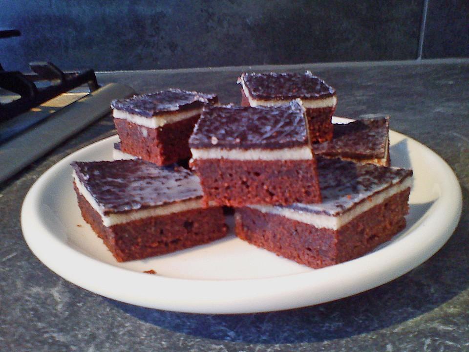 marzipan schokoladenkuchen vom blech von emmy lina. Black Bedroom Furniture Sets. Home Design Ideas