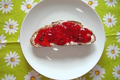 Erdbeermarmelade mit frischer Minze 3