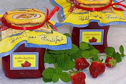 Erdbeermarmelade mit frischer Minze