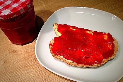 Erdbeermarmelade mit frischer Minze 2