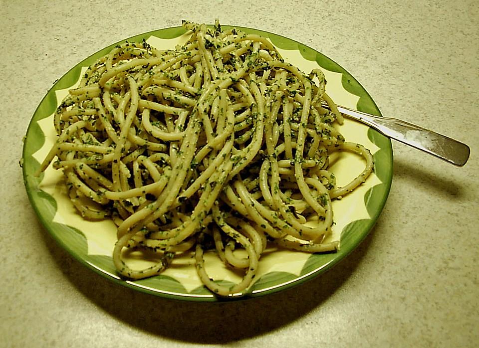 spaghetti al pesto rezept mit bild von buddelinchen. Black Bedroom Furniture Sets. Home Design Ideas