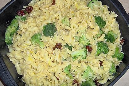 Brokkoli - Pasta mit getrockneten Tomaten 5