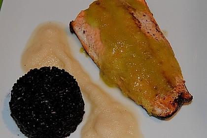 Wildlachs mit Wasabi, Apfelsauce und schwarzem Reis 1