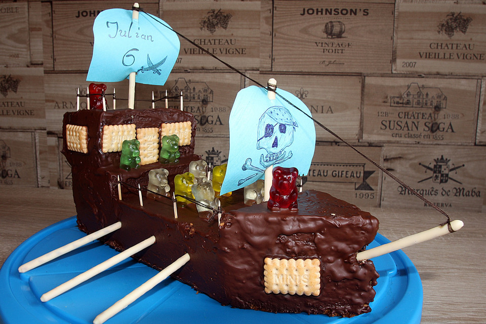 Piratenschiff-Geburtstags-Kuchen à la Dani von Back-Dani