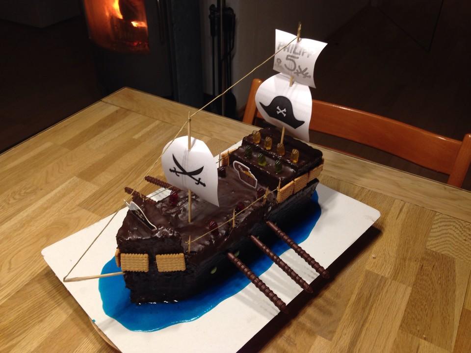 Piratenschiff torte bestellen