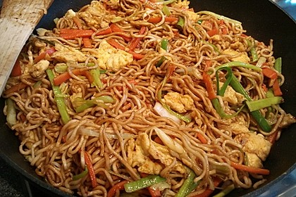 Asiatische gebratene Nudeln 1