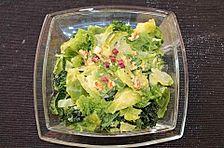 Rosenkohl-Wirsing-Salat mit Speck und Walnüssen