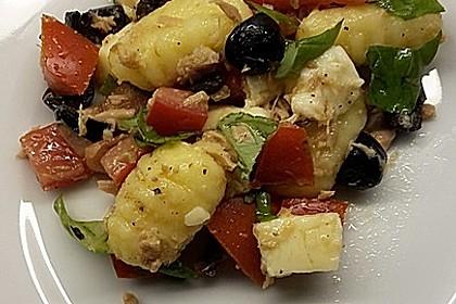 Gnocchi-Salat mit Thunfisch und Mozzarella 2