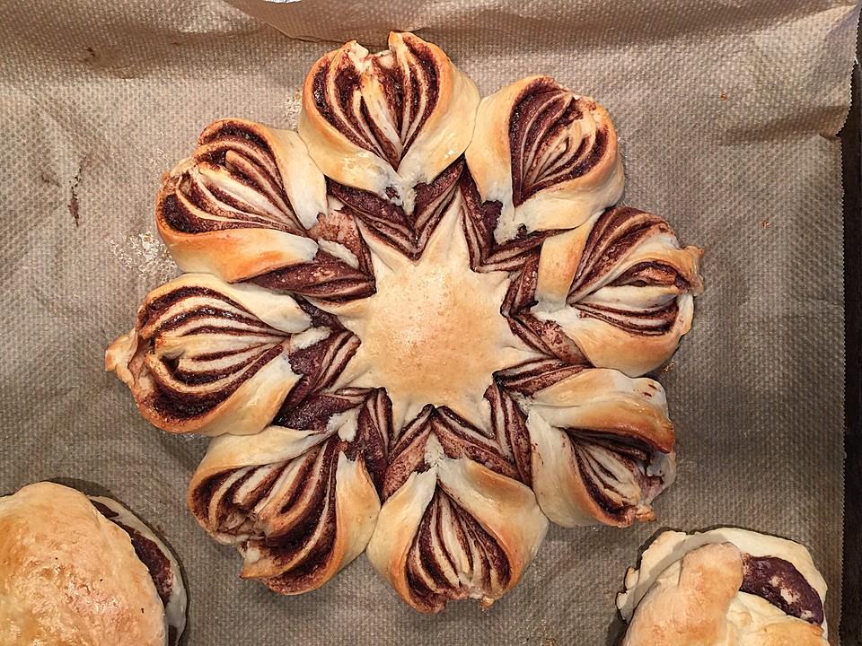 nutella blume aus brioche rezept mit bild von cookbakery. Black Bedroom Furniture Sets. Home Design Ideas
