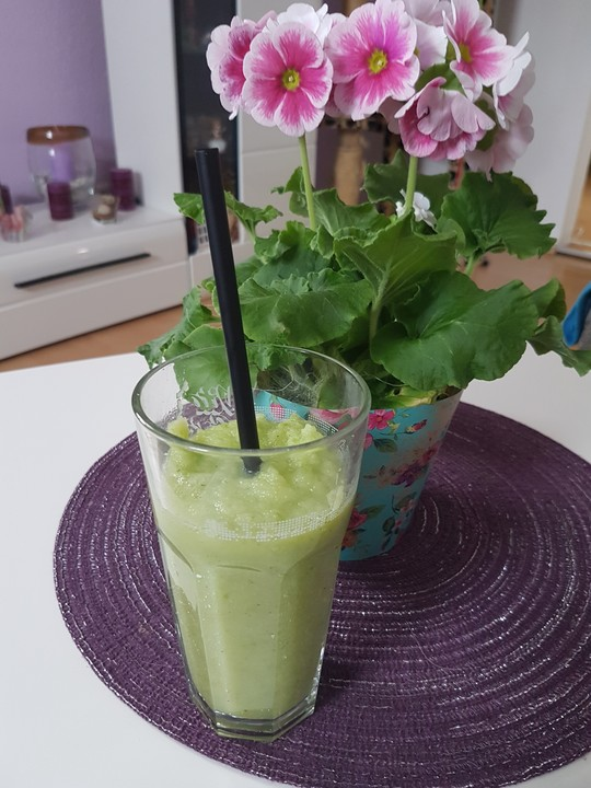 gurke apfel smoothie mit minze rezept mit bild von. Black Bedroom Furniture Sets. Home Design Ideas
