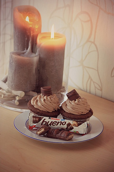 kinder bueno cupcakes rezept mit bild von cupcake198. Black Bedroom Furniture Sets. Home Design Ideas