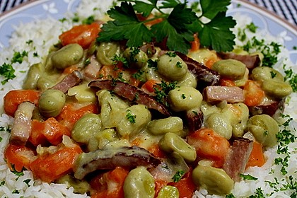 Gemüsetopf mit Dicken Bohnen und Wurzeln