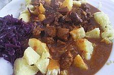 Gulasch mit Kartoffeln