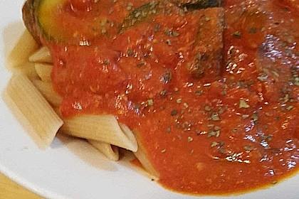 Vollkornnudeln in Tomaten-Mozzarella Soße mit gebratener Zucchini 1
