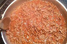 Spaghetti Bolognese mit Rotwein, Erbsen und Marmelade