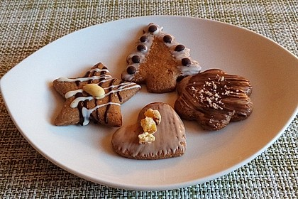 Plätzchen-Baumschmuck aus Lebkuchen 2
