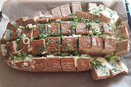 Mozzarella-Knoblauch-Brot als Snack 1
