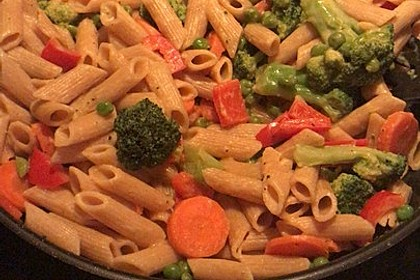 Leichte Gemüse-Nudelpfanne 6