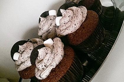 Oreo-Coconut-Marshmallow-Cupcakes