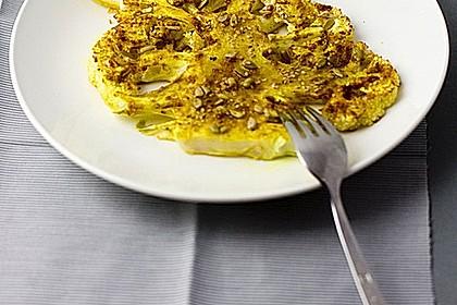 Geröstete Blumenkohl-Scheiben mit Curry