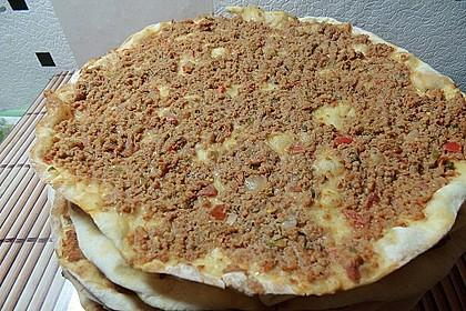 Türkische Pizza aus der Pfanne 2