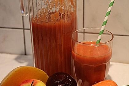 Möhre-Kürbis-Rote-Bete-Gurke-Apfel-Mango-Smoothie mit Ingwer