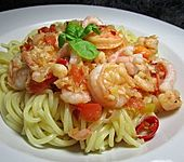 Spaghetti mit Garnelen in Kokossauce