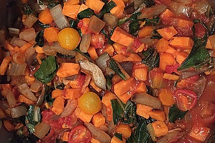 Gemüse mit Mangold und Süßkartoffeln