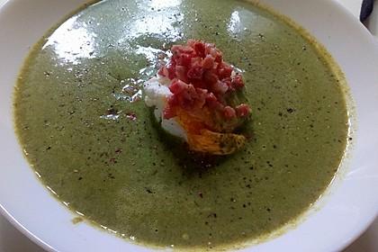 Rahm-Spinat-Suppe mit pochiertem Ei 1