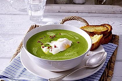 Rahm-Spinat-Suppe mit pochiertem Ei