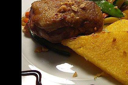 Entenbrust mit asiatisch angehauchtem Honig-Gemüse und Polenta 1