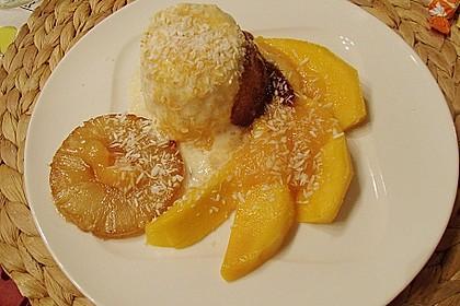 Kokosparfait mit Mango und Ananas