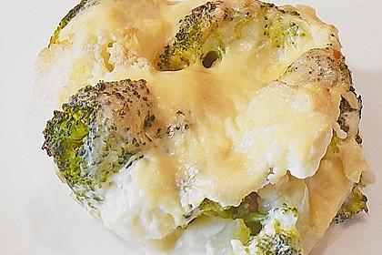 Gratinierter Brokkoli mit Käsesauce 9