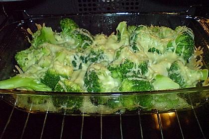 Gratinierter Brokkoli mit Käsesauce 14