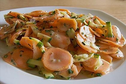 Karotten - Zucchini - Rohkost