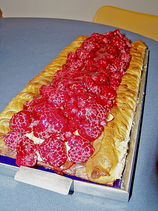 Himbeer Makronen Kuchen à la Ikea (Rezept mit Bild ...