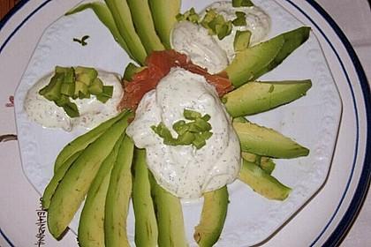 Avocado mit Räucherlachs 4